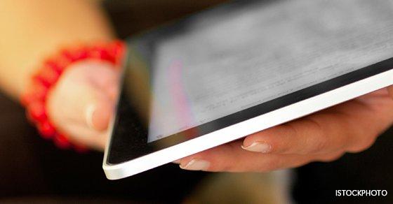 Tablet_in_hands_for_jpg