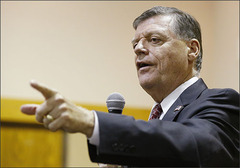 U.S. Rep. Tom Cole, R-Oklahoma, gestures as he speaks during a Town Hall meeting in Moore, Okla., Tuesday, Aug. 18, 2015. U.S. Reps. Frank Lucas and Tom Cole are hosting a series of town hall meetings across the state during the next couple of weeks while Congress is in recess. (AP Photo/Sue Ogrocki)